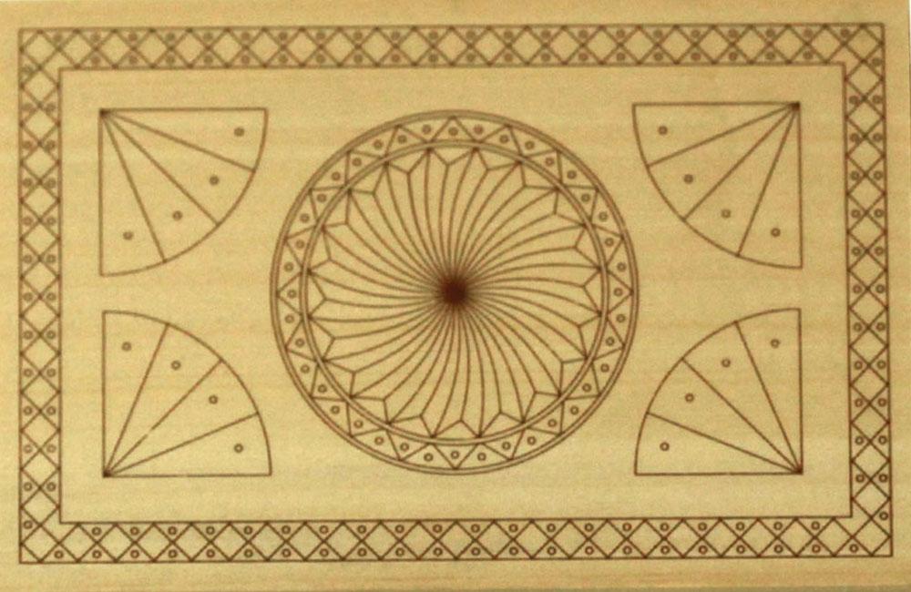 Hársfára előrerajzott faragási minta (7.-8. szint)